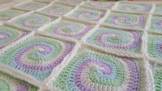 Crochet a Spiral Granny Square